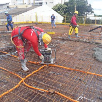 Laje Em Construção Da Construtora Merziam